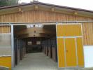 Pferdestall mit BSH-Binder und Lichtfirst